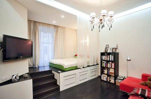 Как простым подиумом в квартире можно сделать все что угодно