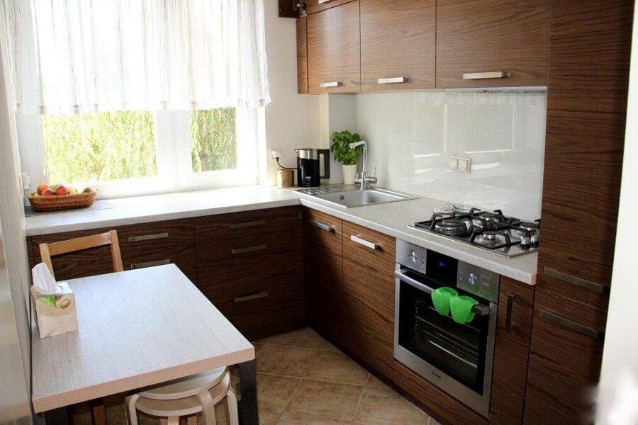 Как правильно сделать себе уютную и функциональную кухню, даже если она маленькая
