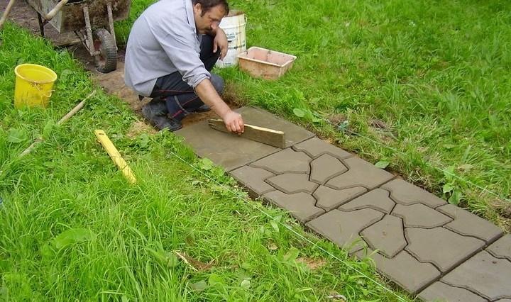 Из чего сделать дорожку в саду